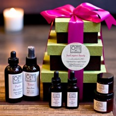 om gift 235x235 Om Aroma™ & Co. Launches Eco Gift Boutique
