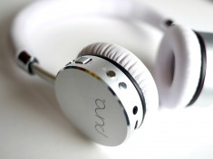 white-on-white-closeup-600w.jpg